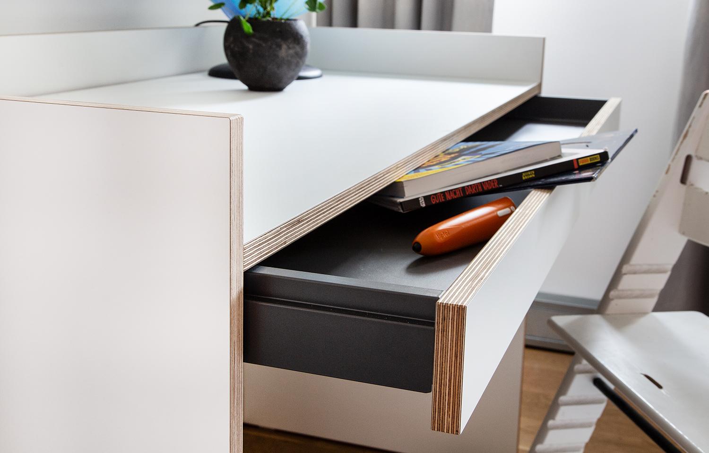 Schreibtisch Flai von Müller Möbel mit Schublade.